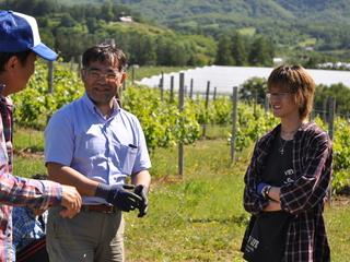 高校生がワイナリーづくり!?出来たてワインを北海道で!