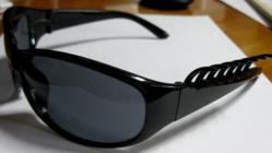世界で一つ★クシつきサングラス製造販売 ★プレゼントあります★