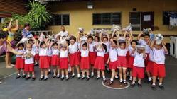 タイの恵まれない子どもたちに日本で使わなくなった品物を贈る事業