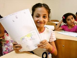 イラク本土から避難してきた子どもたちの学校を建設します