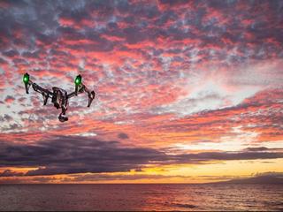 ドローン飛行会社の設立の第一歩!空から幸せな写真を届けたい!