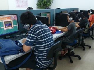 学習システムによる塾を作り、不登校児や低学力の児童を無償支援