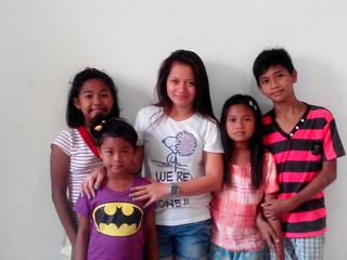 フィリピンの貧困で苦しむ子供たちに、安心して暮らせる環境を!