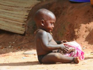 ギニア共和国の貧しい子供たちが学ぶ為に寺子屋を建てたい!