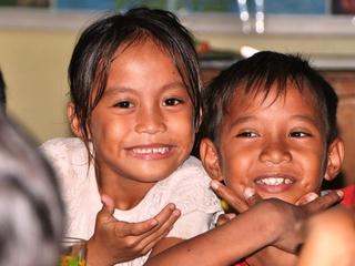 クリスマスに貧困地域の子供たちにお腹いっぱい食べさせたい!