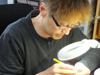 日本初!!鉛筆彫刻を守る専用のケースを開発します
