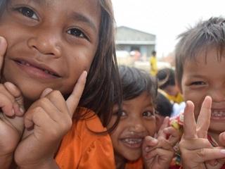 カンボジアの子供達へ衣類1万着を届け、病気や事故から守りたい
