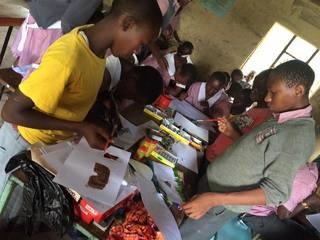 マサイ族発!手作り会話帳で貧しい子供に継続的な学費支援を!