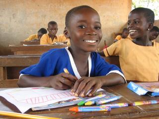 ガーナ120人の子どもに学用品を届け、家族100世帯に農業トレーニングを行う!