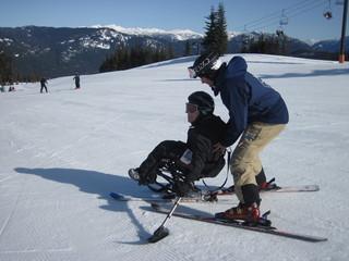 福島で始まる障がい者スキースクールの専用器具購入にご協力を!