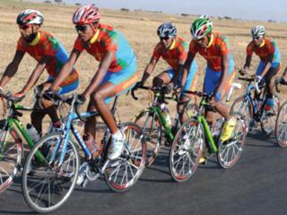 アフリカのエリトリアのサイクリストを自転車で四国を一周するイベントに呼びたい