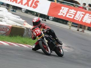 子供の頃の夢を叶えるため、台湾のロードレース選手権に参戦!