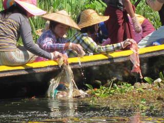 ミャンマーの子供達のために日本製のゴミ焼却炉を贈りたい!
