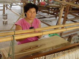 タイのヘンプを使った、肌にもやさしい安心できる服をとどけたい