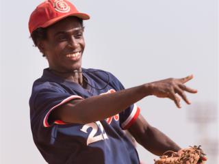 プロ野球を目指すアフリカの裸足の野球少年団を日本に招きたい!
