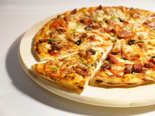 スポーツバーで本格的なピザを作ってバスケ普及に貢献したい!