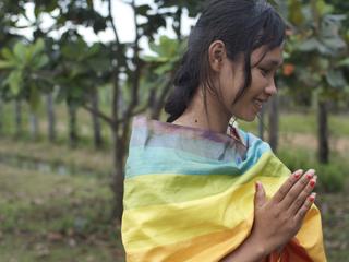 カンボジアの読み書きできない女性が紡ぐシルクの物語を全国に届けよう!