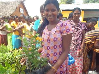 内戦で苦しんだスリランカに、家と希望の花を届けたい!