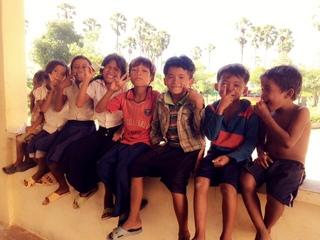 学生団体Michiiii がカンボジアの中学校に教室を増設します!