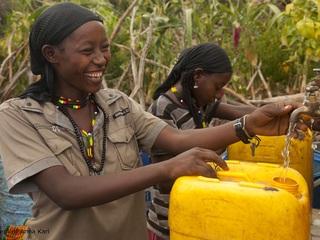 安全な水のないエチオピアの村に住む人々へ給水設備を届けたい!