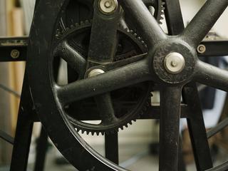 プロの設備と技術が学べるOPENな版画工房を存続し活かしたい