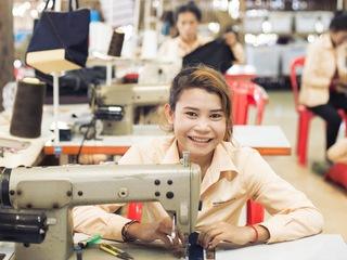 途上国発ブランド「SUSU」で、カンボジアで頑張る農村女性を応援