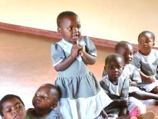 「勉強したい!」少女らの夢を叶えるマラウィ奨学金プロジェクト