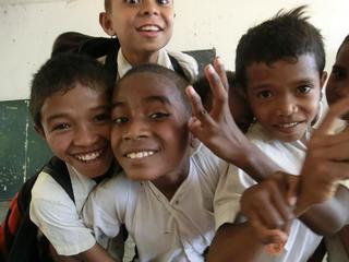 東ティモールの子どもためにiPadを購入し自由に学ぶ機会を