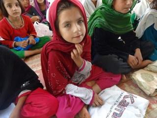 アフガニスタンで1000人の女の子に夢の就学プロジェクト