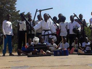 ルワンダで安心・安全に小太刀護身道を学べるようにしたい!
