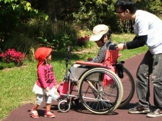 雨の心配や日差しも安心!気軽に使える車椅子の屋根作りたい!