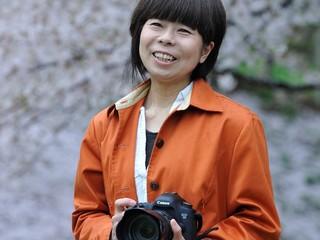 日本全国100箇所で撮影したアイヌ100組のポートレートを写真集に