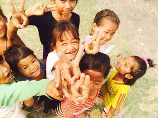 雨季で川に沈むトリュイ村に子ども達がいつでも通える小学校を!