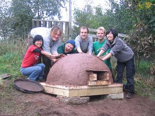 支え合い、環境に優しい暮らし方を学ぶ宿泊体験の場を創ります!