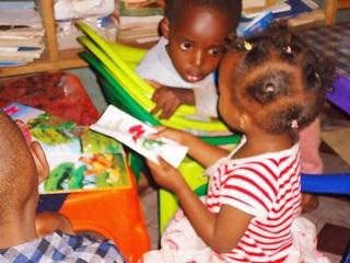 ケニアのスラムに図書館を建設!本を通して広い世界を知ってほしい