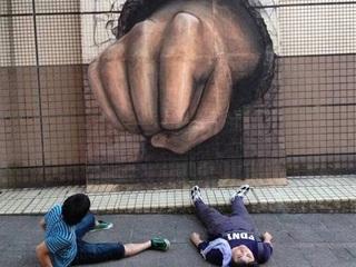 富山市のシャッター商店街を学生がトリックアートで盛り上げる!