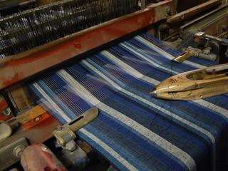 着物生地を使用した洋服を作って日本の若者に着てもらいたい!