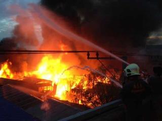 チェンマイ市(タイ)に消防自動車4台を贈りたい!