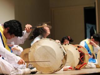 日本、朝鮮半島、中国、音楽で人がつながる、新しい祭典を作る!