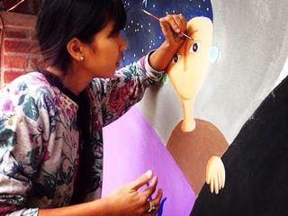 河野ルルさんの個展を開催し、カフェの壁画を描いてもらいたい!
