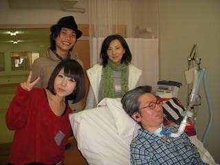 病院や施設にタレントを派遣し、患者さんに笑顔を届けます!