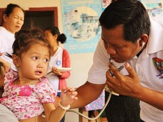 ラオスの子どもたちが診療・治療・健診を受けられるようにしたい!