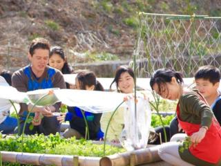 校庭を農場に! アメリカで急速に広まる食育システムを日本へ!