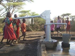 ケニアの水不足の村に井戸を作り、きれいな水を届けたい!