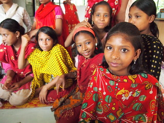 過酷な児童労働からの解放へバングラデシュの少女たちに教育を!