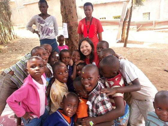 ルワンダの子どもたちに英語・ルワンダ語の絵本を届けたい!