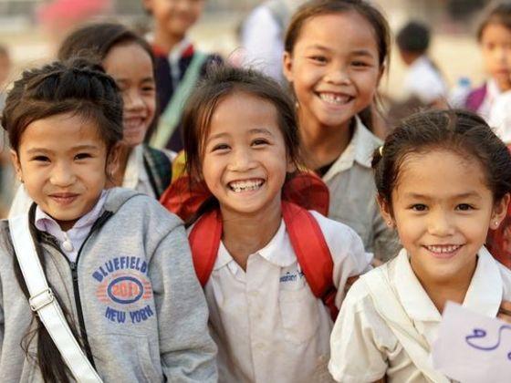 ラオスの子供たちに日本の冬服を届け、笑顔の輪を広げたい!