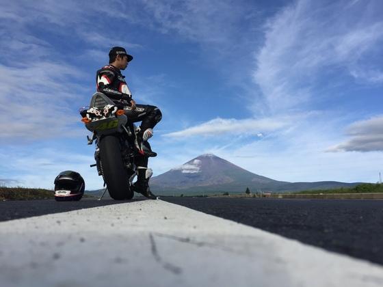 病気と闘った家族の10年間。夢と希望を与えるバイクのレースを!