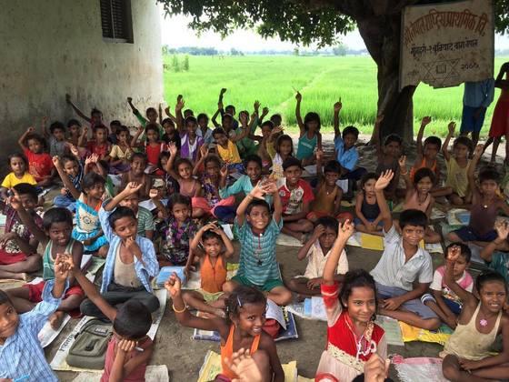 ネパール農村の学校教師が「教育と向き合う」機会を作りたい!