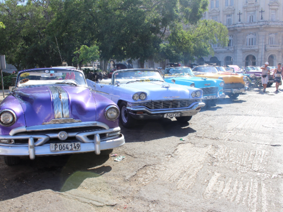 世界一安全な国キューバのLife styleを紹介するガイドブック製作